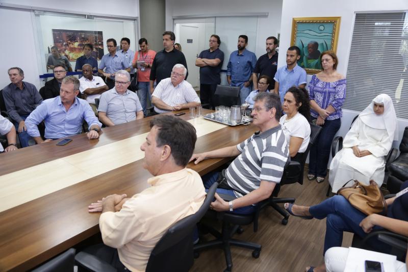 Isadora Crivelli - Representantes de diversas entidades e do poder público se reuniram no gabinete ontem