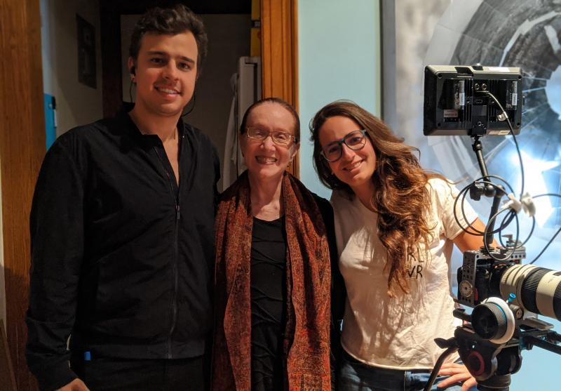 Divulgação - Ator João Meira com as diretoras Regina Miranda e Livia Sá