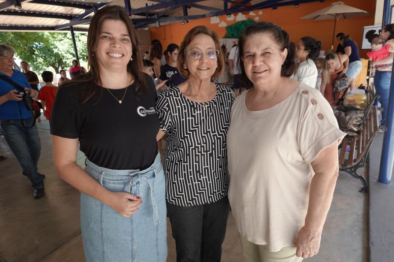 Professora Tatiana e as diretoras Tereza Celestino e Ana Delfim