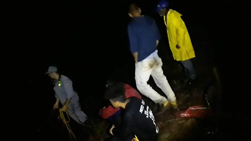 Folha Regional/Cedida - Bombeiros acessaram a área através da estrada de terra para localizar os pescadores