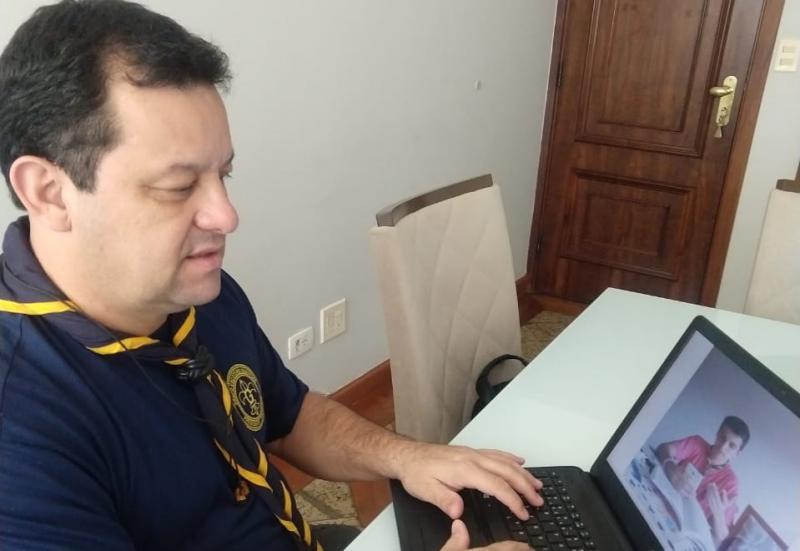 Cedida - Distantes, em um mundo on-line, Marcelo interage com o pioneiro João Pedro Maia