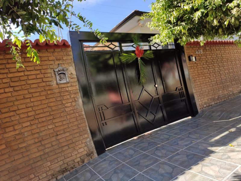 Aline Martins - CNBB pede que todas as famílias católicas deixem um ramo no portão ou porta de sua casa
