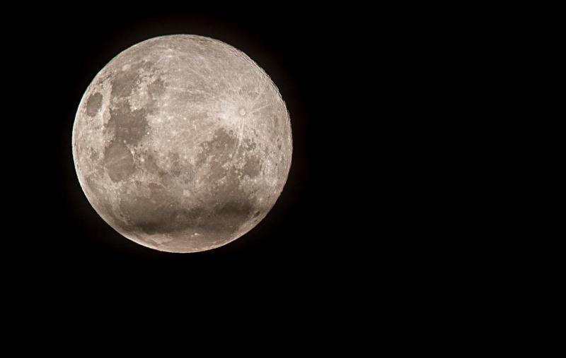 Adriano Kirihara - Lua atingiu o ponto da órbita mais próximo da Terra