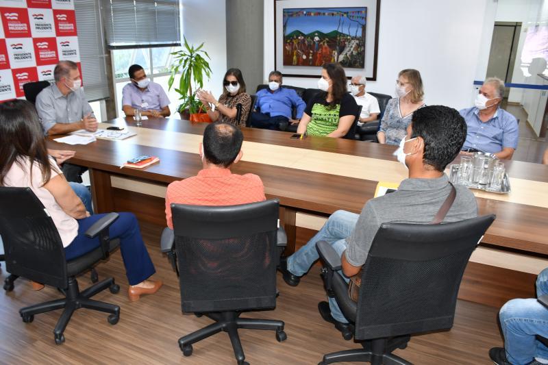 Secom - Reunião propôs diálogo sobre alternativas para preservar o emprego de aproximadamente 170 funcionários da concessionária