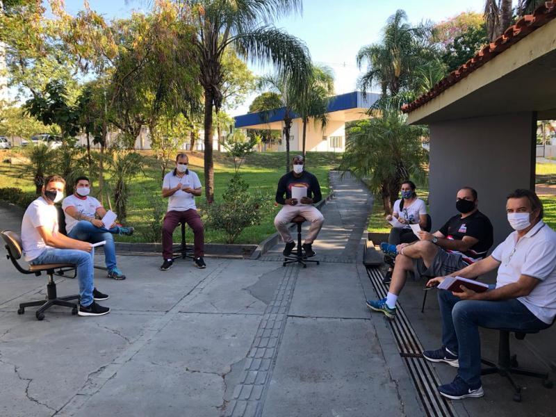 Cedida/Marcos Chicalé - Professores da Semepp reunidos com o secretário Claudinei Quirino na última quinta-feira