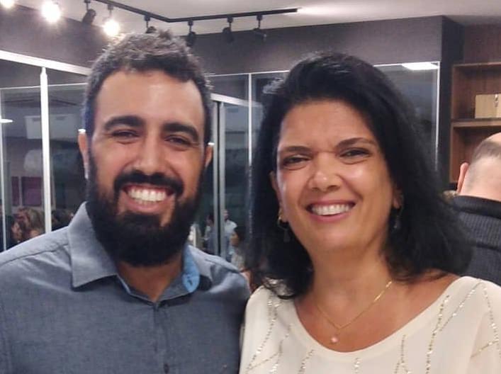Filho e mãe: os arquitetos Anthony e Claudia Ferro