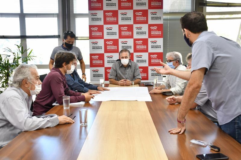 Marcos Sanches/Secom - Em reunião, prefeito Nelson Bugalho e e empresários discutiram projeto