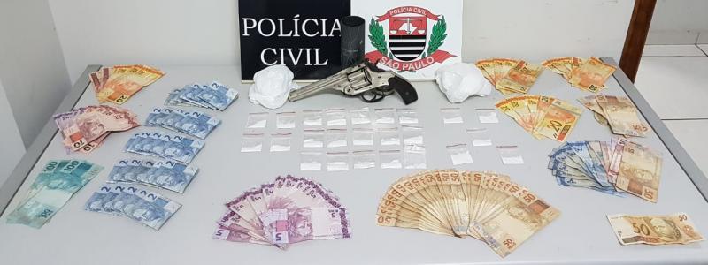 Cedida | Ação resultou na apreensão de 24 embalagens de cocaína