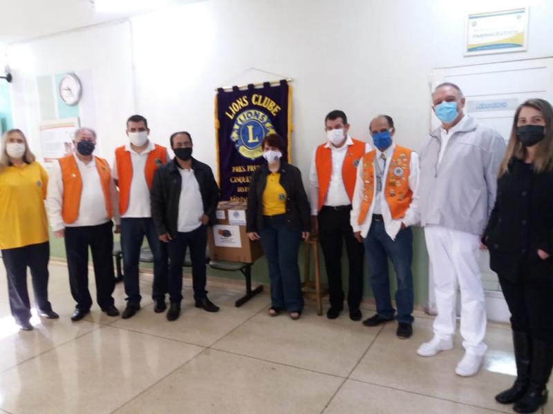 Cedida - Na manhã de ontem, voluntários também estiveram no Hospital Estadual para efetuar entregas