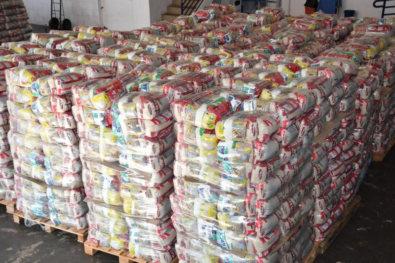 Marcos Sanches/Secom - Cestas são compostas por arroz, feijão, açúcar, óleo, molho de tomate, macarrão, sal, farinha de mandioca e café