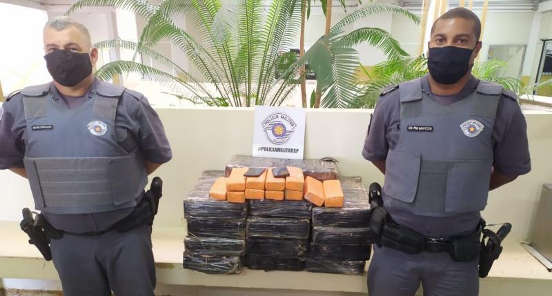 Polícia Militar - Droga estava dentro de um Chevrolet/Corsa