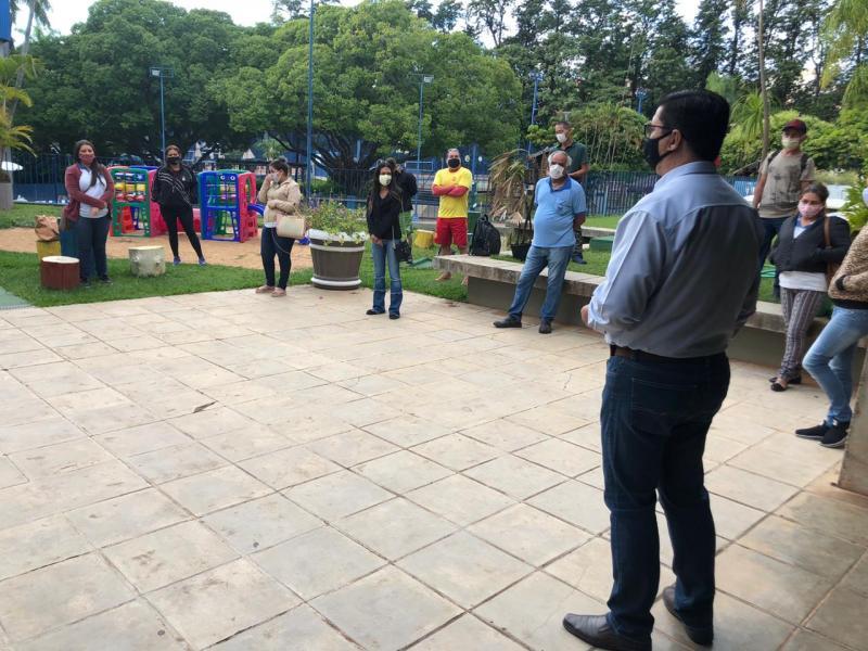 Cedida/Tênis Clube - Além de limpeza pré-abertura, reunião de orientação foi feita ontem com funcionários