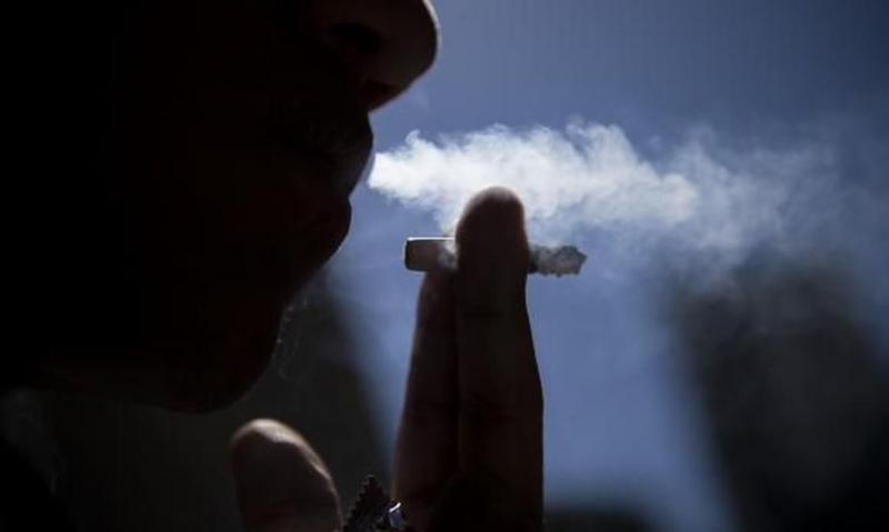 ABr -  Além de causar um mal-estar social, o hábito de fumar pode causar doença