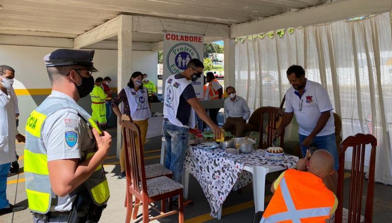 Polícia Militar Rodoviária - Entregas de refeições ocorreram na base da Polícia Rodoviária, em Prudente