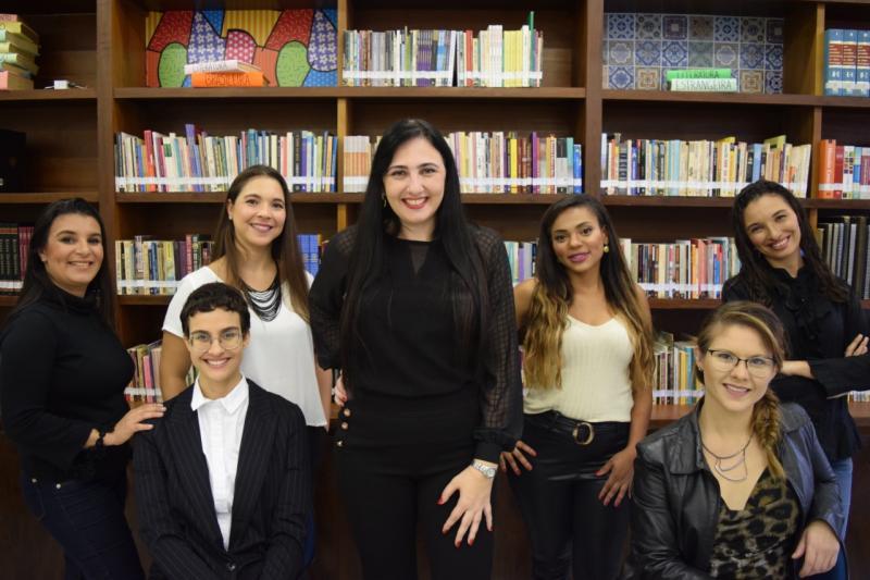Cedida - Grupo é formado por uma doutora em Educação, uma bibliotecária, duas pedagogas, uma beletrista e duas intérpretes de Libras