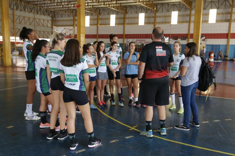 Arquivo - Equipe prudentina joga contra time do Rio Claro/Crescer/Setur, pelo 1º Super Paulistão da FPHb