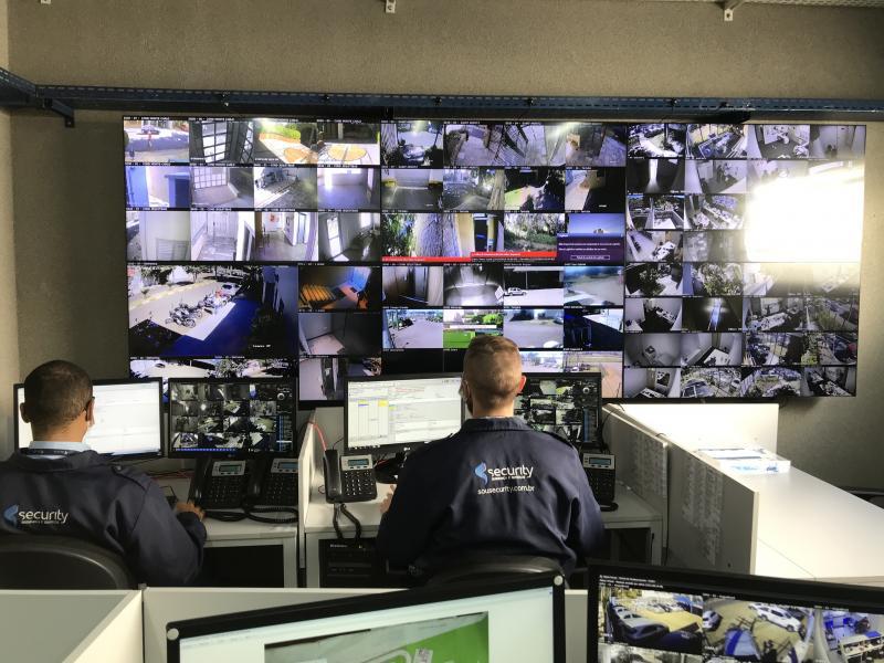 Central de controle da Security Segurança em Presidente Prudente: solução virtual reduz custos e aumenta segurança de condomínios