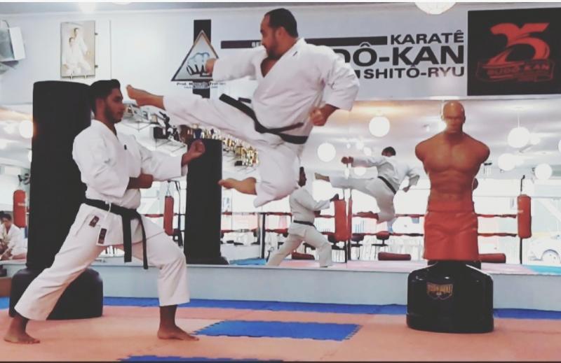 Cedida - Marcelo Trovani frisa que no caratê 95% é treinamento e coletividade; 5% é competitividade