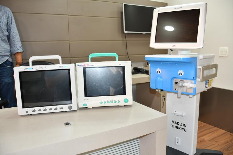 Marcos Sanches/Secom - Monitores são indispensáveis para que possa ser concluída a instalação de mais uma UTI para tratamento de Covid-19