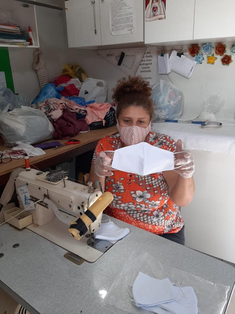 Arquivo Pessoal -Contadora de história, Cida Santos se alegra com projeto que revigorou seu lado artesã