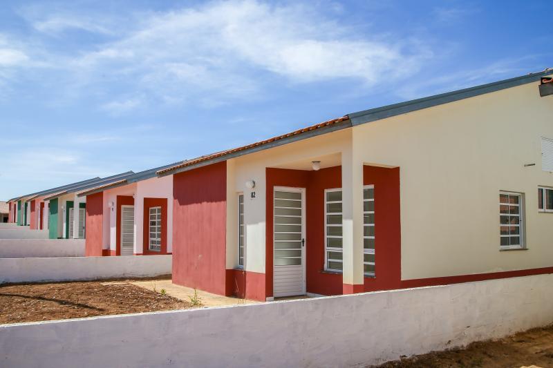Divulgação - Casas terão dois dormitórios, sala, cozinha, banheiro e lavanderia