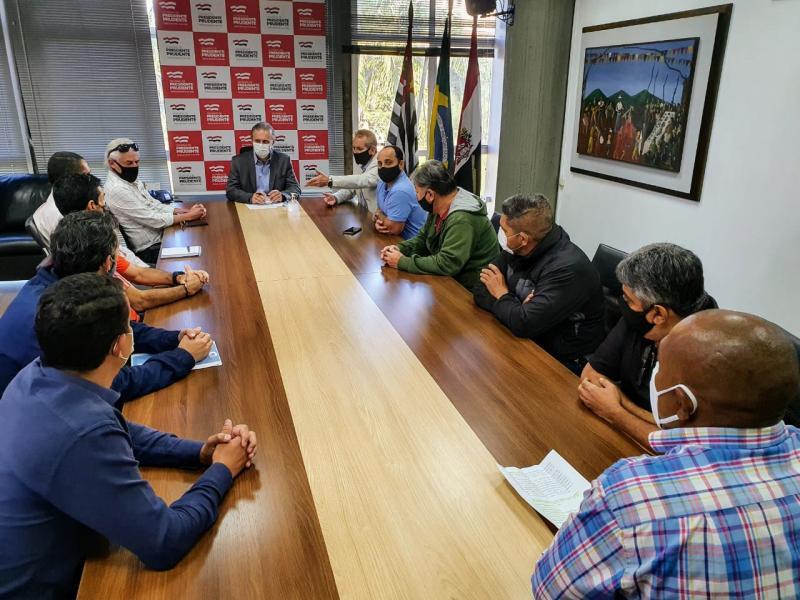 Cedida: Seis membros da Associação de Academias do Oeste Paulista representaram demais empresários do setor, na reunião