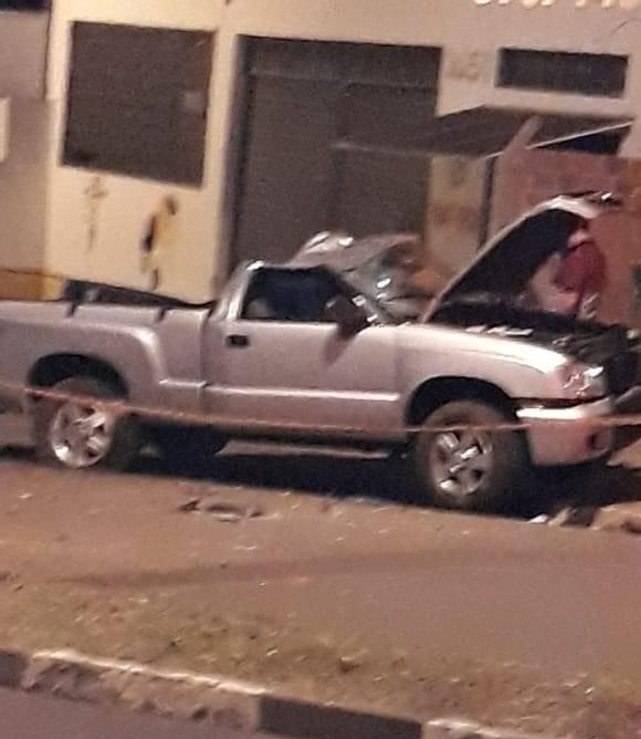 Reprodução/Facebook - Capotamento ocorreu no bairro Cecap