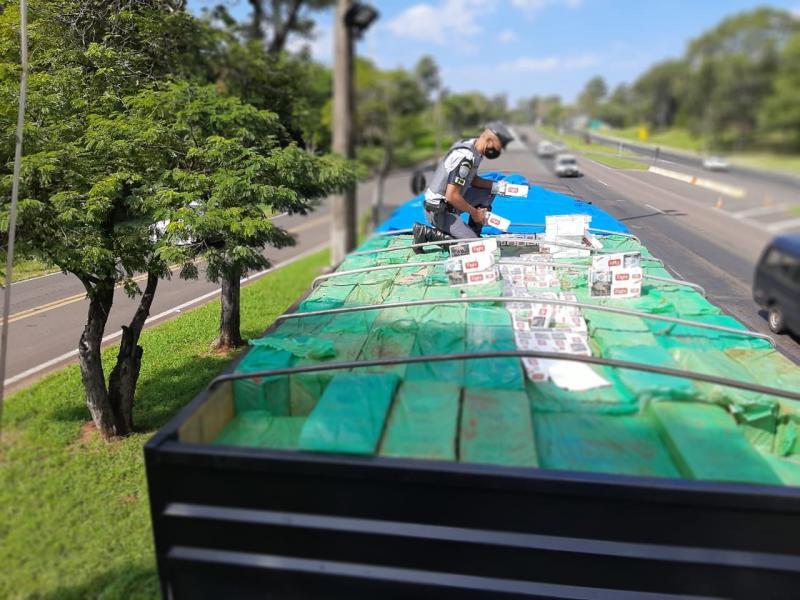 Polícia Militar Rodoviária  - Além da carga, carreta também foi apreendida