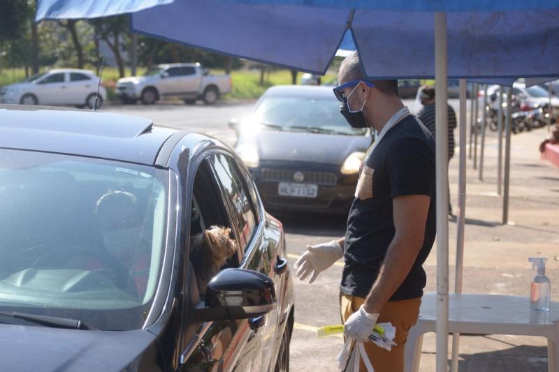 Cedida - Em pouco mais de 1h, ontem, cerca de 190 veículos passaram pelo Matarazzo, para retirada de convites
