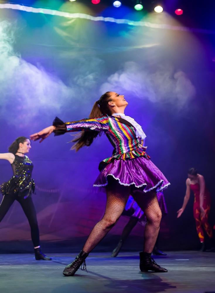 Bruno Fernandes - Profª. Lysia Barbosa e alunas da Cia do Corpo Escola de Dança