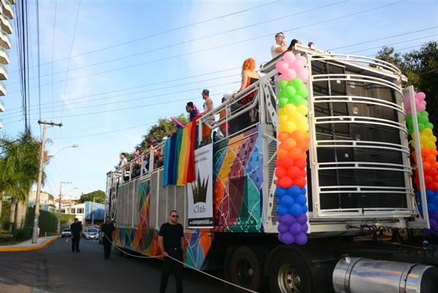 Arquivo - Antes da pandemia, Parada do Orgulho LGBT era realizada anualmente no Parque do Povo