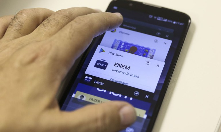 Marcello Casal Jr/Agência Brasil - Interessados devem baixar aplicativo no celular ou tablet ou, então, atualizá-lo