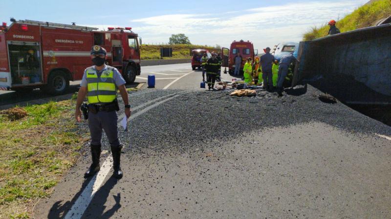 Polícia Militar Rodoviária - Acidente ocorreu na alça de acesso à SP-284