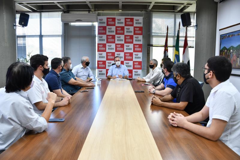 Marcos Sanches/Secom - Bugalho esteve reunido nesta quarta com representantes do Sinhores e shoppings
