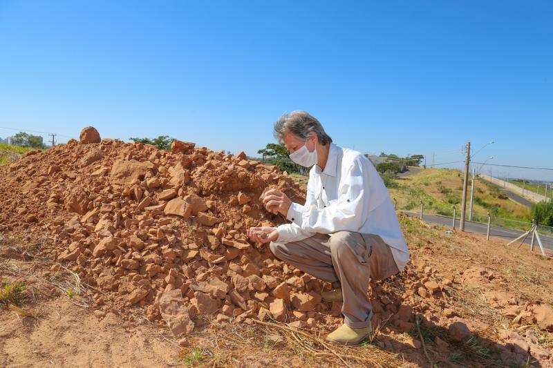 Weverson Nascimento - Segundo William Nava, no local foram encontrados diversos ossos de aves