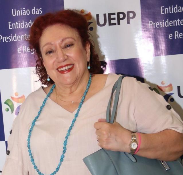 Professora Alba Lucena recupera-se em casa, isolada, com acompanhamento médico especialista e apoio das 4 filhas médicas