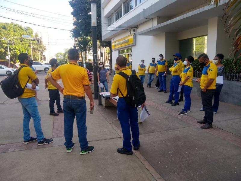 Hideyochi de Oliveira Hina/Cedida - Ato dos funcionários dos Correios ocorreu ontem, em Prudente
