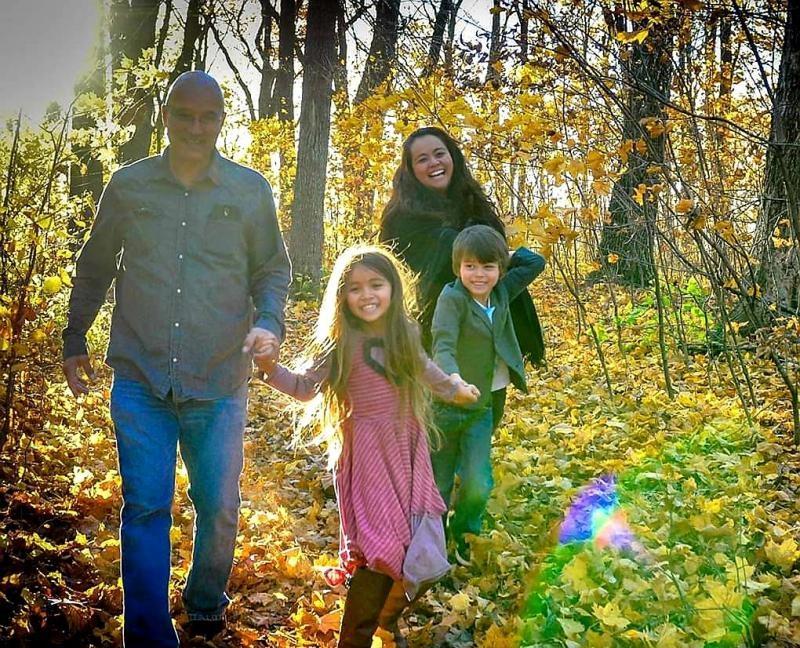 Tatiana Shirasaki com a família que formou nos EUA: o marido, David Krahn, e os dois filhos,  Natália, de 13 anos, e Henry, de 11 anos