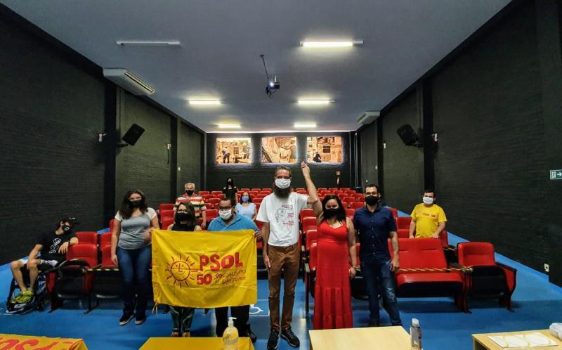 Cristina Kazumi - Militância participa da convenção que definiu Evelyn (de vermelho) como vice do petista Luis Valente (de branco)