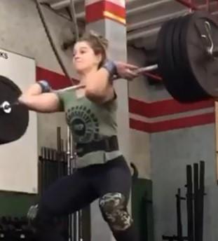 Professora Letícia Oliveira (categoria elite) representa CrossFit Prudente e CrossFit SP