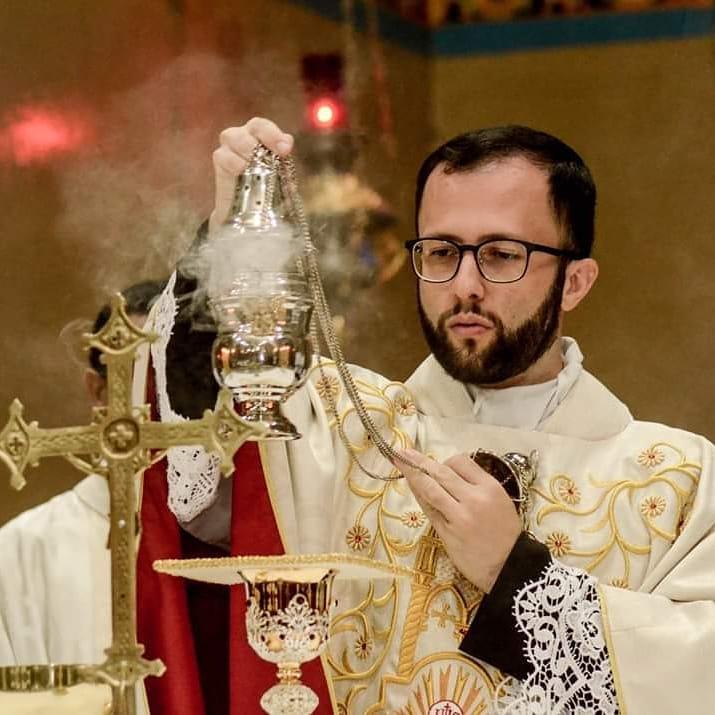 Facebook - Padre é responsável pela Paróquia Santa Bibiana, em Martinópolis