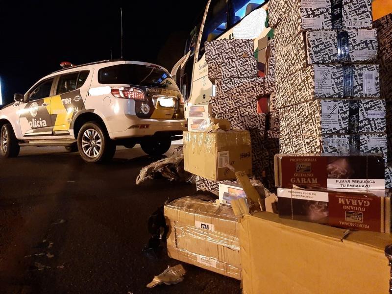 Polícia Militar Rodoviária - Carga estava no compartimento externo do ônibus