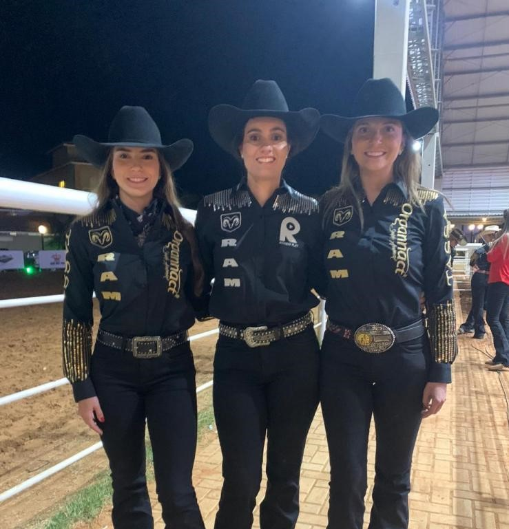 Donata Prata Volpon, Heloísa Sá Rezende Barbosa e Letícia Ferreira do Valle