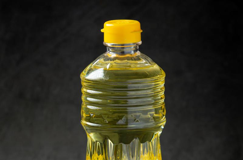 Freepik - Junto com arroz, óleo de soja apresenta alta expressiva nos preços