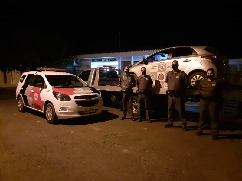 Polícia Militar - Carro foi encontrado abandonado depois do crime
