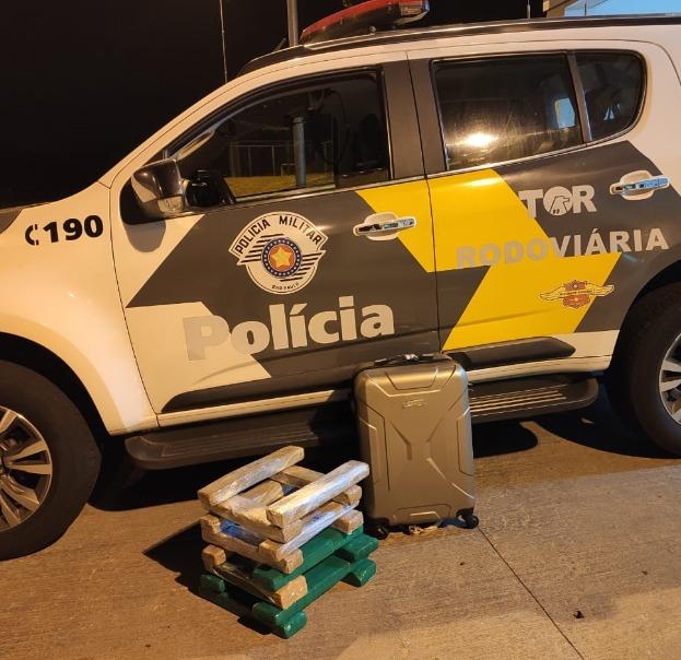 Polícia Militar Rodoviária - Droga estava na mala transportada pela passageira