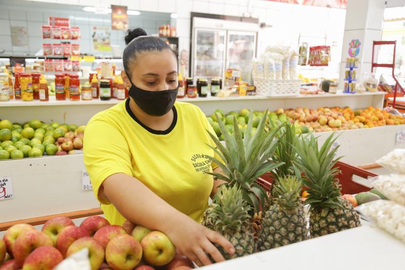 Weverson Nascimento - Frutas são de fácil digestão e favorecem a sensação de bem-estar nos dias mais quentes