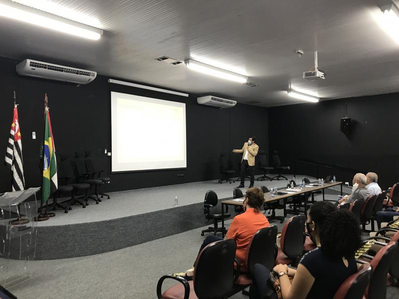 Audiência Pública para apresentação do Plano Intermunicipal de Gestão Integrada de Resíduos Sólidos foi realizada no auditório da Fundação Inova, com as restrições e recomendações de distanciamento social