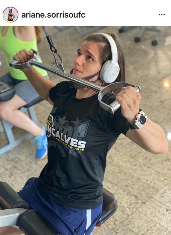 Ariane Sorriso dá exemplo de aplicação nos treinos