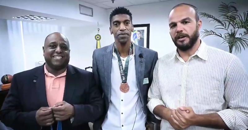 Reprodução - Atleta André Domingos se reuniu com secretários Marcelo Magalhães e Bruno Souza